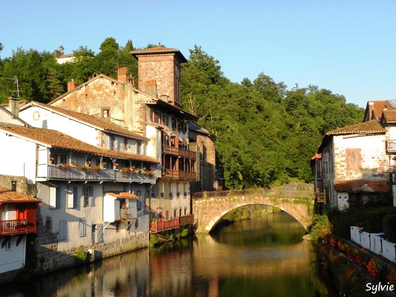 Escapades en pays basque - Les pyrenees saint jean pied de port ...